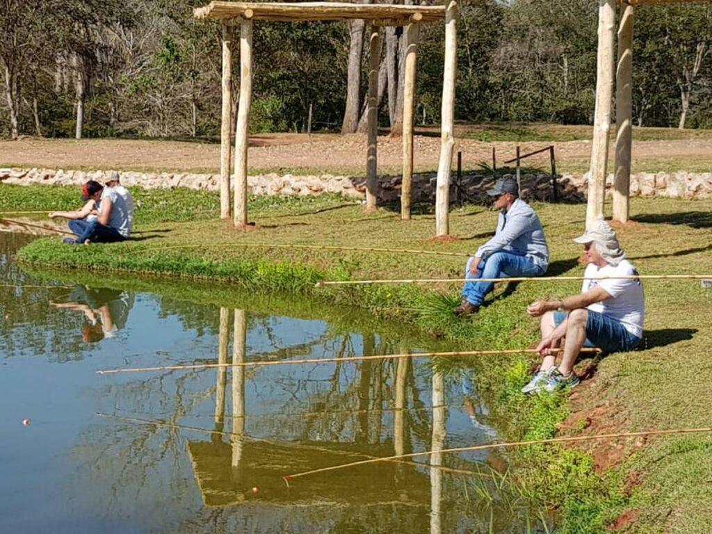 Pescaria é uma das opções de lazer na Fazenda Hi Fish. Foto: Visit Pantanal