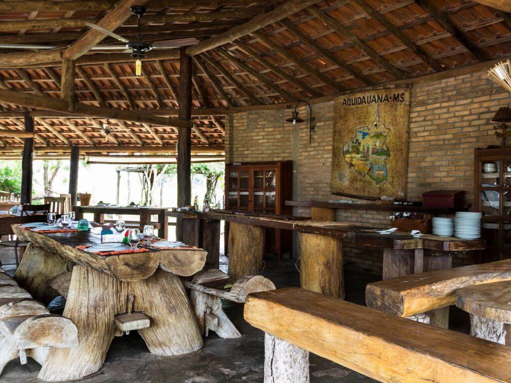Espaço rústico na Pousada Aguapé, na região de Aquidauna. Foto: Visit Pantanal